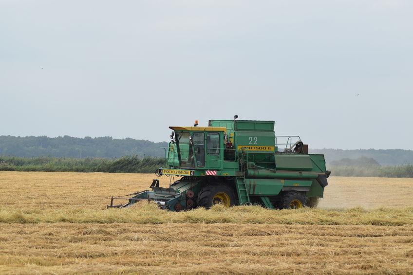 Обновление парка сельхозтехники производится в хозяйствах, имеющих в наличии технику, произведенную свыше 10 лет назад