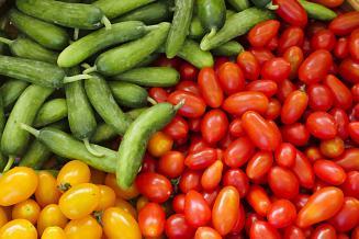 В Астраханской области сезонно дорожают тепличные овощи