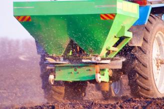 Российские производители удобрений перенаправили часть экспортных поставок на внутренний рынок