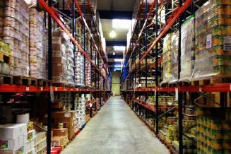 Власти формируют пул поставщиков продуктов на случай срывов поставок