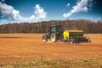 Вологодские аграрии приступили к весенним полевым работам