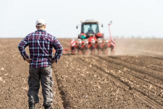 В Астраханской области план весеннего сева выполнен на 54%