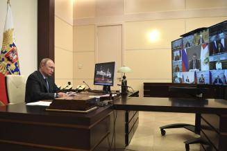 Патрушев попросил Путина разрешить пролонгировать кредиты аграриям