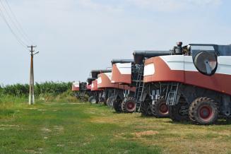 Мантуров: дополнительные 4,5 млрд руб. на закупку сельхозтехники позволят реализовать 15 тыс. машин