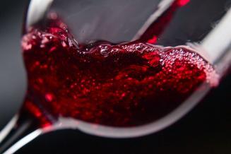 Впервом полугодии вРоссии произвели 13,79млн декалитров вина