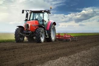 С начала года аграрии Калмыкии приобрели 40 тракторов