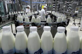 Молочные предприятия перевели в категорию менее экологически опасных