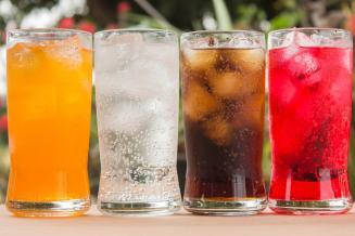 Производители безалкогольных напитков в РФ снижают содержание сахара в продукции