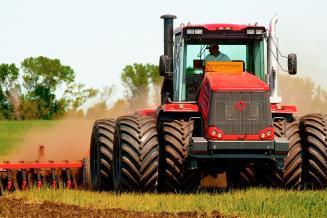Правительство продолжит компенсировать аграриям затраты назакупку итранспортировку техники