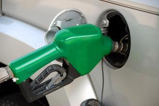 Бензин АИ-95 и дизельное топливо в Омской области остаются самыми дешевыми в СФО