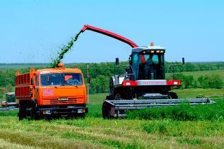 Аграрии Удмуртии активно занимаются заготовкой кормов