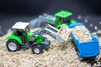 Тракторы и комбайны с низким углеродным следом планируется разработать в РФ